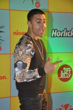 at Nickelodeon Kids Choice awards in Filmcity, Mumbai on 14th Nov 2013 (9)_52861bed1d848.JPG
