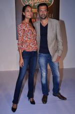 Atul Kasbekar, Lisa Haydon launched a specially developed photography app, Signature Selfie on 16th Nov 2013 (21)_5288f93875b0d.JPG