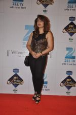 Urvashi Dholakia at Zee Rishtey Awards in Andheri Sports Complex, Mumbai on 16th Nov 2013 (98)_528900e4dc7df.JPG