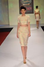 at Drashta Show on day 2 of Signature International fashion week in Mehboob, Mumbai on 16th Nov 2013 (101)_5288ff6417a62.JPG