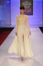 at Drashta Show on day 2 of Signature International fashion week in Mehboob, Mumbai on 16th Nov 2013 (110)_5288ff6809bf3.JPG
