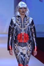 Model walks for Shane Falguni at Signature International fashion week 2013 on 17th Nov 2013 (23)_5289a4c92d328.JPG