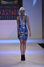 Model walks for Shane Falguni at Signature International fashion week 2013 on 17th Nov 2013 (29)_5289a4cb7e1a3.JPG