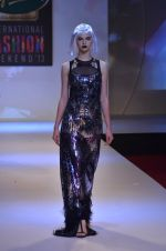 Model walks for Shane Falguni at Signature International fashion week 2013 on 17th Nov 2013 (34)_5289a4cd8007f.JPG
