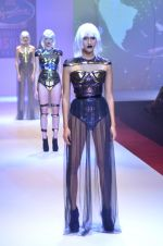 Model walks for Shane Falguni at Signature International fashion week 2013 on 17th Nov 2013 (4)_5289a4c114e01.JPG