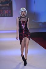 Model walks for Shane Falguni at Signature International fashion week 2013 on 17th Nov 2013 (16)_5289a4c65b413.JPG