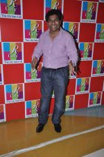 Johnny Lever at Singh Saheb the great promotional event in R City Mall, Mumbai on 19th Nov 2013 (3)_528c6c3e9db0a.JPG