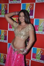 Simran Khan at Singh Saheb the great promotional event in R City Mall, Mumbai on 19th Nov 2013 (29)_528c6b97235f0.JPG