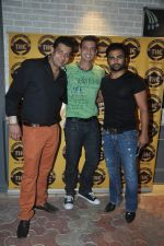 Sachiin Joshi, Timmy Narang at Town House Cafe bash in Kala Ghoda, Mumbai on 21st Nov 2013 (18)_528f2ac9cc716.JPG