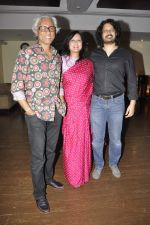 Shomshukla at the Success Party of Internationally Acclaimed Film Sandcastle in Mumbai on 26th Nov 2013 (53)_52958c2a03cff.JPG