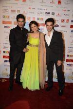 Manish Malhotra, Urmila Matondkar, Punit Malhotra at Saif Belhasa Holdings Masala Awards on 29th Nov 2013