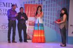 Vanya Mishra walks for Tangerine Home couture in Mumbai on 30th Nov 2013 (40)_529b220ff1046.JPG