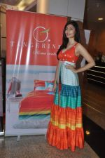 Vanya Mishra walks for Tangerine Home couture in Mumbai on 30th Nov 2013 (43)_529b220e70bdb.JPG
