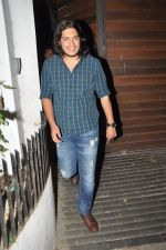 Junaid Khan at Aamir Khan celebrates son Azad_s Birthday in Bandra, Mumbai on 1st Dec 2013 (19)_529c1ffe5946c.JPG