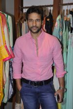 Umesh Pherwani at Shilpa Puri_s collection launch at Fuel in Chowpatty, Mumbai on 3rd Dec 2013 (26)_529f640873982.JPG