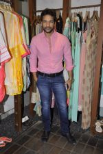 Umesh Pherwani at Shilpa Puri_s collection launch at Fuel in Chowpatty, Mumbai on 3rd Dec 2013 (28)_529f64070f62e.JPG