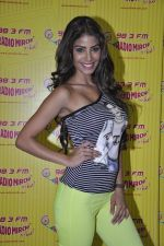 Nicole Faria at the Promotion of Yaariyan at 98.3 FM Radio Mirchi in Mumbai on 5th Dec 2013 (29)_52a1b68baabb6.JPG