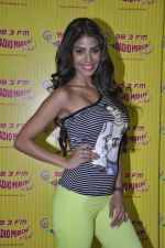 Nicole Faria at the Promotion of Yaariyan at 98.3 FM Radio Mirchi in Mumbai on 5th Dec 2013 (30)_52a1b6aaacb9b.JPG
