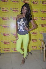 Nicole Faria at the Promotion of Yaariyan at 98.3 FM Radio Mirchi in Mumbai on 5th Dec 2013 (32)_52a1b68cb8626.JPG
