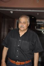 Satish Shah at Club 60 Screening in PVR, Mumbai on 5th Dec 2013 (15)_52a1ae5478d64.JPG