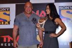 Gail Kim, Kurt Angle at TNA India tour press meet in Palladium, Mumbai on 9th Dec 2013 (62)_52a6ab453171b.JPG