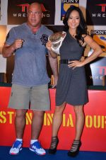 Gail Kim, Kurt Angle at TNA India tour press meet in Palladium, Mumbai on 9th Dec 2013 (67)_52a6ab47368f8.JPG