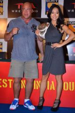 Gail Kim, Kurt Angle at TNA India tour press meet in Palladium, Mumbai on 9th Dec 2013 (68)_52a6aa99ded32.JPG