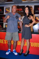 Gail Kim, Kurt Angle at TNA India tour press meet in Palladium, Mumbai on 9th Dec 2013 (81)_52a6aa9c371f5.JPG