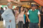 Om Puri, Shilpa Anand on location of the film The Mall in Bhayander, Mumbai on 9th Dec 2013 (3)_52a6aee9bfac7.JPG