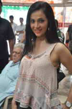 Shilpa Anand on location of the film The Mall in Bhayander, Mumbai on 9th Dec 2013 (7)_52a6aed17661a.JPG