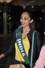 Shobhita Dhulipala Miss Earth arrives from Philippines in Mumbai Airport on 9th Dec 2013 (17)_52a6a9d0beaa6.JPG
