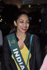 Shobhita Dhulipala Miss Earth arrives from Philippines in Mumbai Airport on 9th Dec 2013 (16)_52a6a9d04c321.JPG