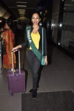 Shobhita Dhulipala Miss Earth arrives from Philippines in Mumbai Airport on 9th Dec 2013 (7)_52a6a9cc7f01c.JPG