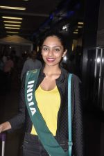 Shobhita Dhulipala Miss Earth arrives from Philippines in Mumbai Airport on 9th Dec 2013 (8)_52a6a9cd015bd.JPG