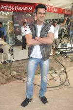 on location of the film The Mall in Bhayander, Mumbai on 9th Dec 2013 (29)_52a6af058ef48.JPG