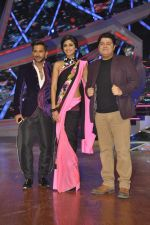 Shilpa Shetty, Terence Lewis, Sajid Khan on location of Nach Baliye 6 in Filmistan, Mumbai on 10th Dec 2013 (31)_52a8085f48ccc.JPG