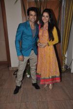 Asha Negi, Rithvik at Sargun Mehta and Ravi Dubey_s wedding bash at The Club, Mumbai on 13th Dec 2013 (207)_52ad77e90c503.JPG