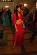 Khushboo Purohit of DID fame in a sensational item song for film Mainu Ek Ladki Chaahiye in Future Studio, Mumbai on 14th Dec 2013 (20)_52ad4dd17dd03.JPG