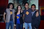 Imtiaz Ali, Alia Bhatt, Randeep Hooda, Aki Narula at the First look launch of Highway in PVR, Mumbai on 16th Dec 2013 (28)_52affac020450.JPG