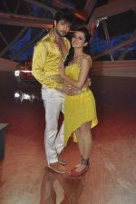 Riddhi Dogra on location of Nach Baliye 6 in Filmistan, Mumbai on 17th Dec 2013 (25)_52b14312aa185.JPG