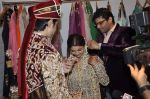 Rafi Mailk, Keerti Nagpure, Riyaz Ganji at Wedding sequence preparations for TV serial Desh Ki Beti Nandini in Riyaz Ganji store, Juhu on 18th Dec 2013 (2)_52b2c60a67b90.JPG