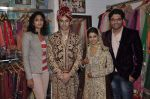 Rafi Mailk, Keerti Nagpure, Riyaz Ganji, Reshma Ganji at Wedding sequence preparations for TV serial Desh Ki Beti Nandini in Riyaz Ganji store, Juhu on 18th Dec 2013 (38)_52b2c60b7b2a1.JPG