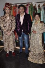 Rafi Mailk, Keerti Nagpure, Riyaz Ganji at Wedding sequence preparations for TV serial Desh Ki Beti Nandini in Riyaz Ganji store, Juhu on 18th Dec 2013 (14)_52b2c64ce96d3.JPG
