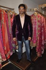 Riyaz Ganji at Wedding sequence preparations for TV serial Desh Ki Beti Nandini in Riyaz Ganji store, Juhu on 18th Dec 2013 (27)_52b2c60d989b5.JPG