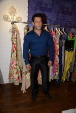 Salman Khan at Bandra 190 store launch in Bandra, Mumbai on 18th 2013 (103)_52b2cdc72e849.JPG