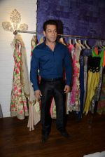 Salman Khan at Bandra 190 store launch in Bandra, Mumbai on 18th 2013 (104)_52b2cdc783731.JPG