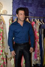 Salman Khan at Bandra 190 store launch in Bandra, Mumbai on 18th 2013 (106)_52b2cdc840056.JPG