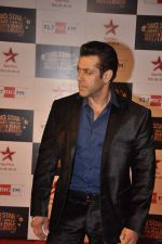 Salman Khan at Big Star Awards red carpet in Andheri, Mumbai on 18th Dec 2013 (6)_52b2d41acc7a9.JPG