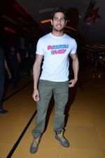 Sidharth Malhotra at Hasee Toh Phasee promotions in Cinemax, Mumbai on 19th Dec 2013 (58)_52b3af057c9be.JPG
