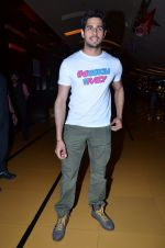 Sidharth Malhotra at Hasee Toh Phasee promotions in Cinemax, Mumbai on 19th Dec 2013 (59)_52b3af05e611d.JPG